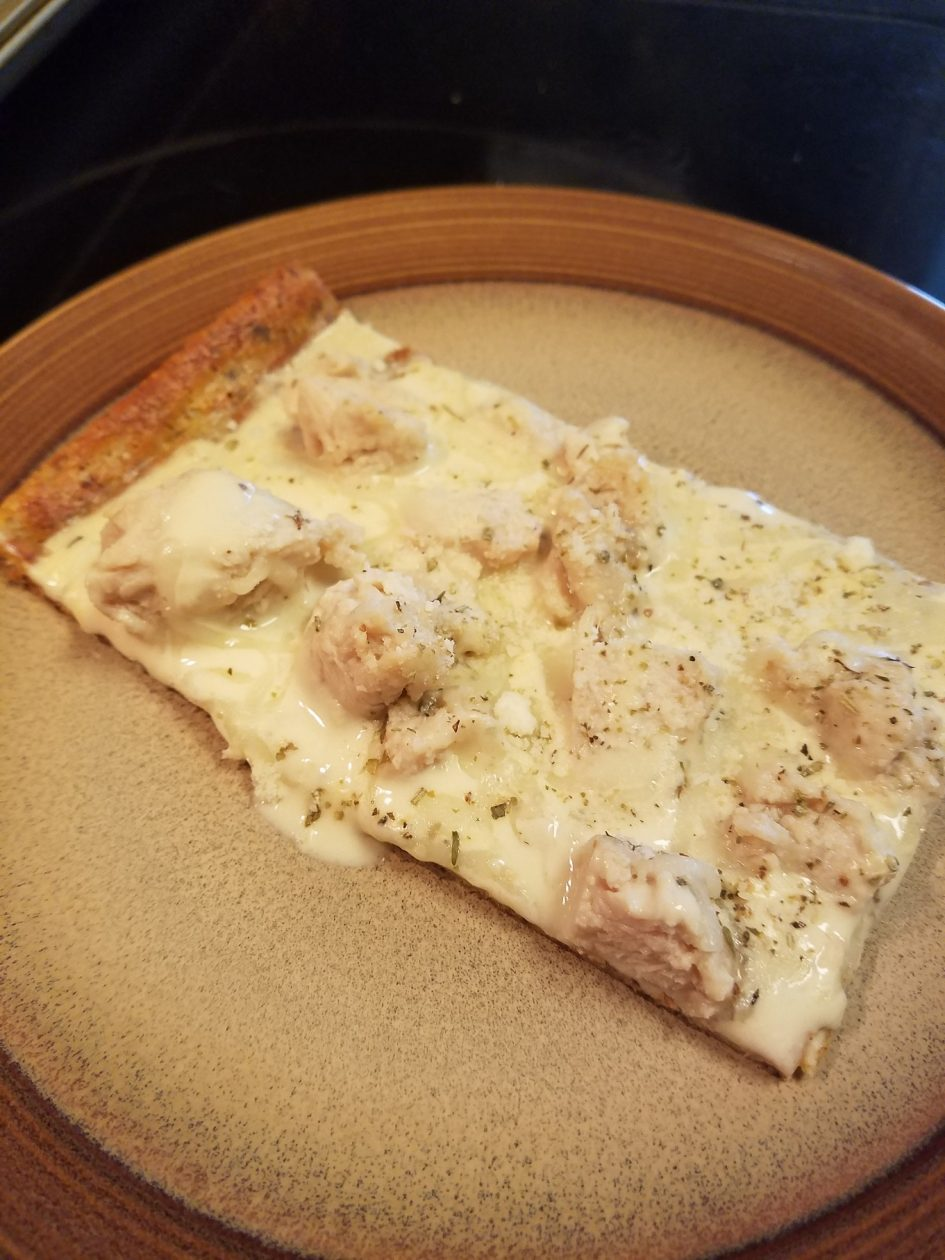 Thin Crust Chicken Alfredo Pizza, Keto and Low Carb