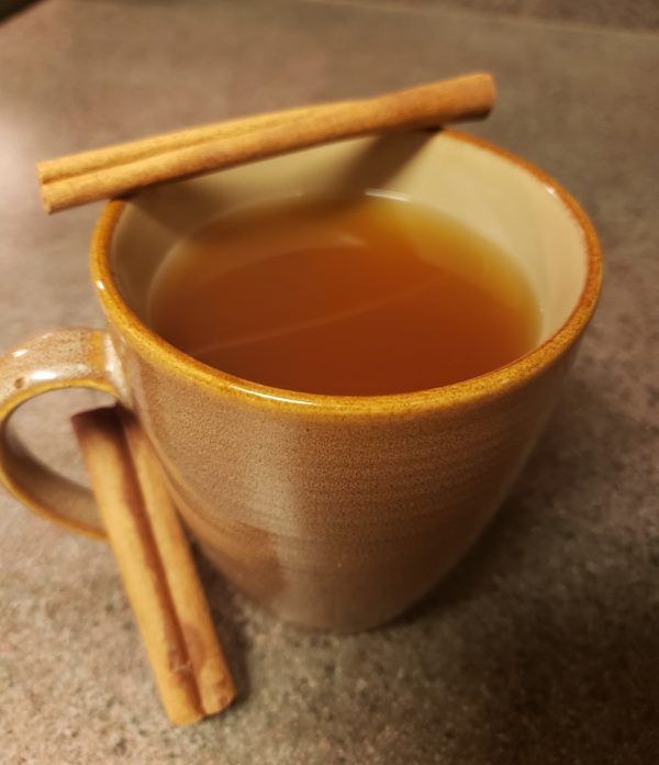 Keto holiday warm apple cider, sugar-free, low-carb