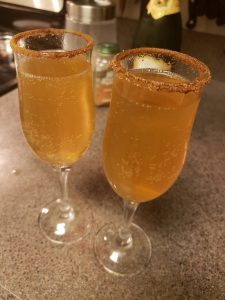 keto apple cider champagne holiday cocktail, sugar-free