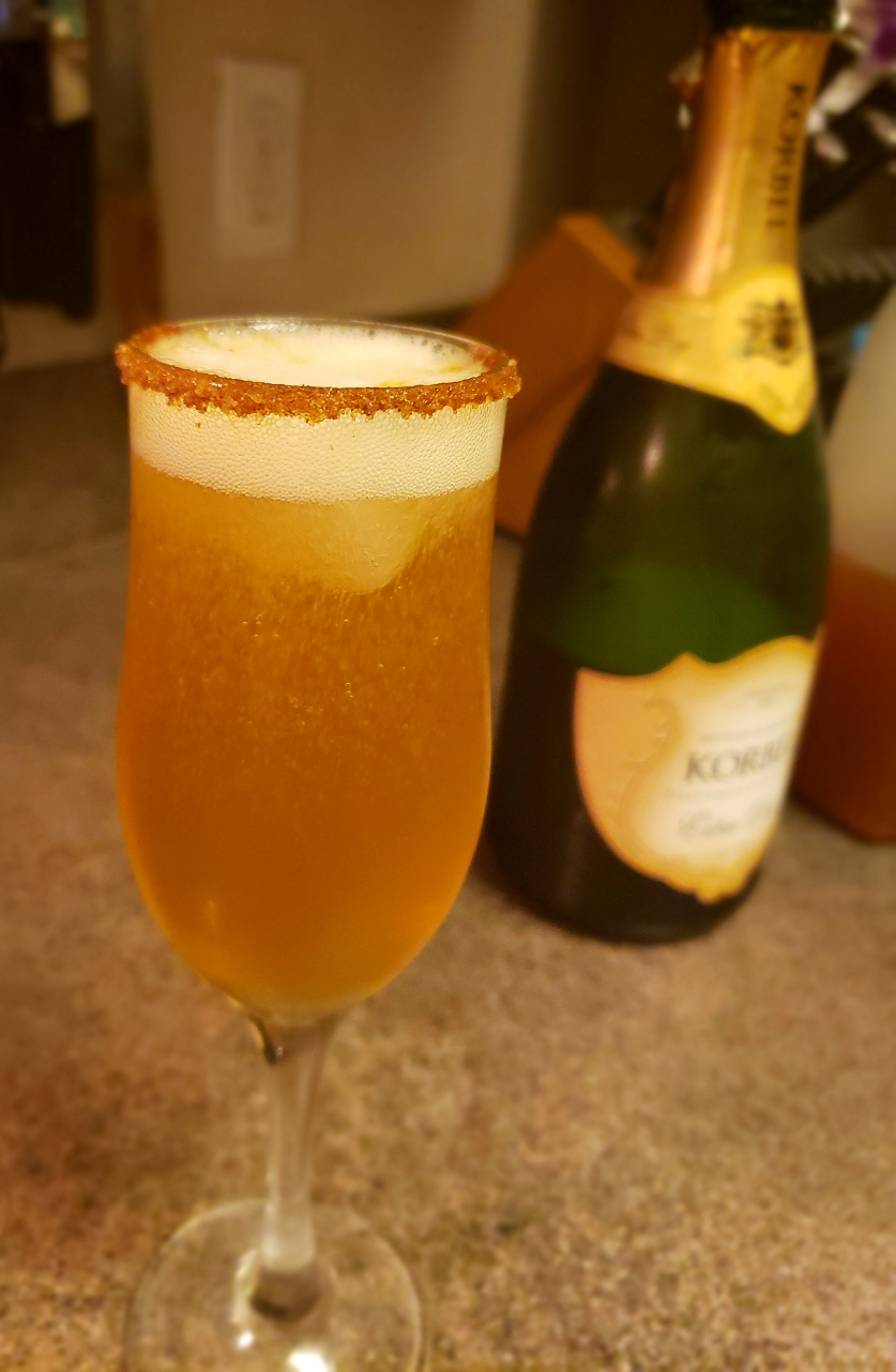 keto apple cider champagne holiday cocktail, sugar-free, low-carb