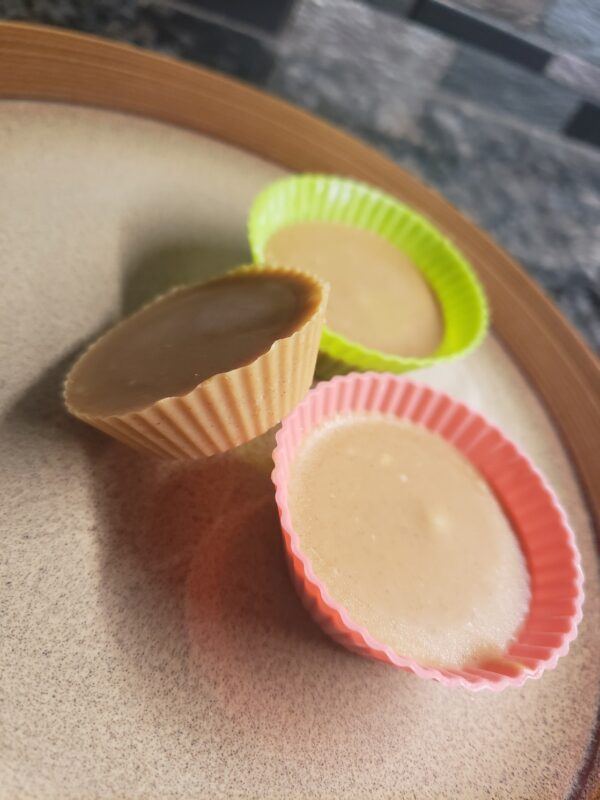 keto white chocolate peanut butter cups sugar-free